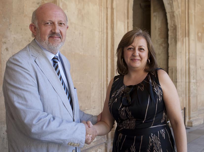 El Patronato de la Alhambra y la Fundación Orange firman un convenio de colaboración para la implantación del servicio de signoguías