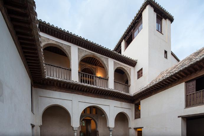 La Alhambra organiza talleres gratuitos de Artes Plásticas y Astronomía para escolares durante el verano