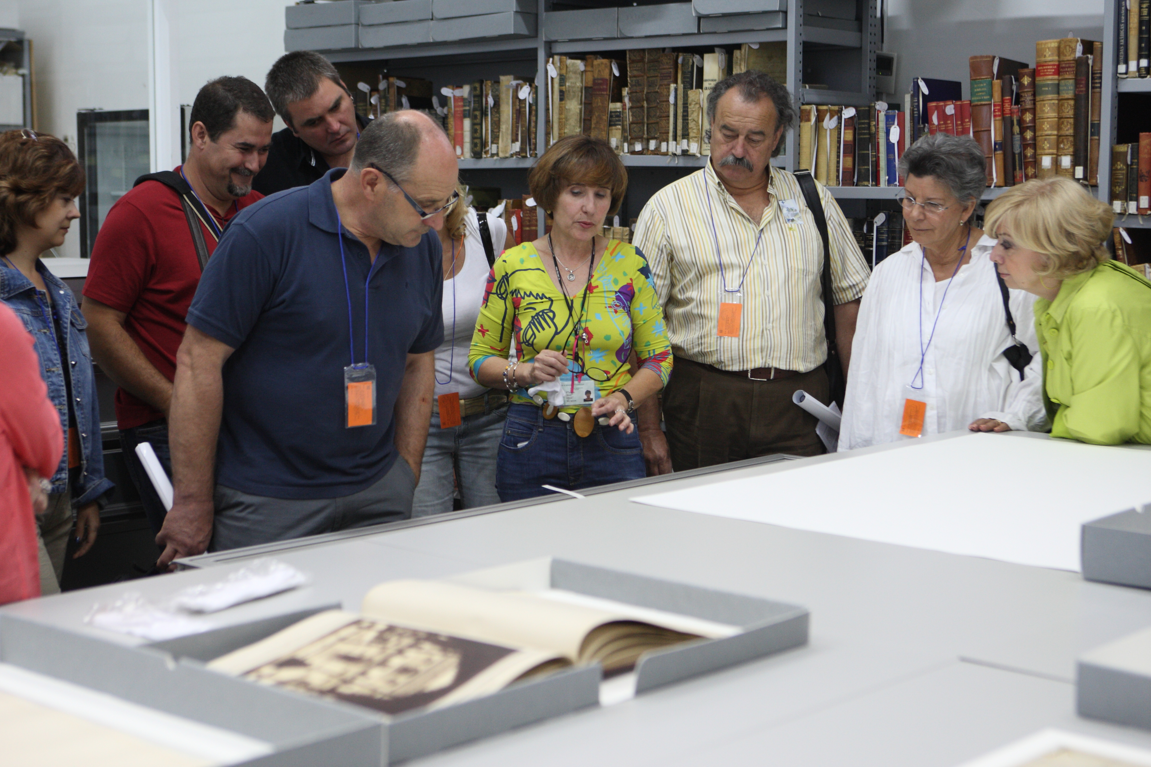 El Archivo de la Alhambra se abre al público y organiza visitas guiadas para celebrar el Día Internacional