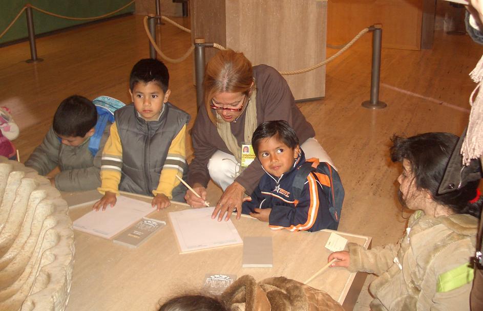Dibuja en familia en el Museo de la Alhambra