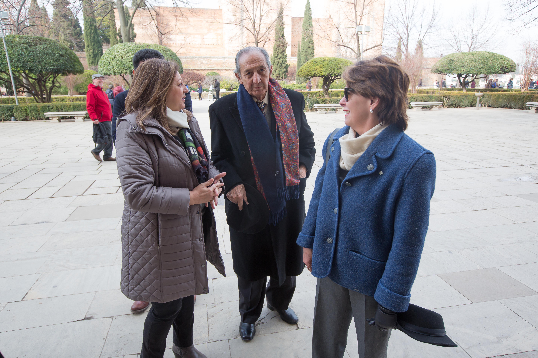 El poeta mexicano Eduardo Lizalde visita la Alhambra antes de recoger el Premio Internacional de Poesía Federico García Lorca