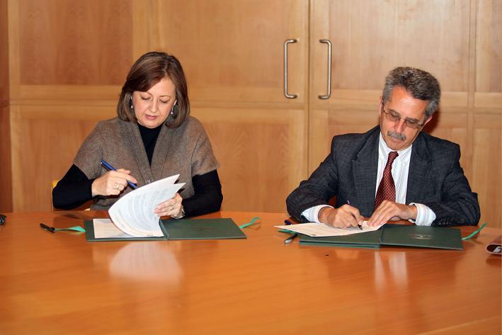 El Patronato de la Alhambra y el Colegio de Aparejadores firman un protocolo general de colaboración