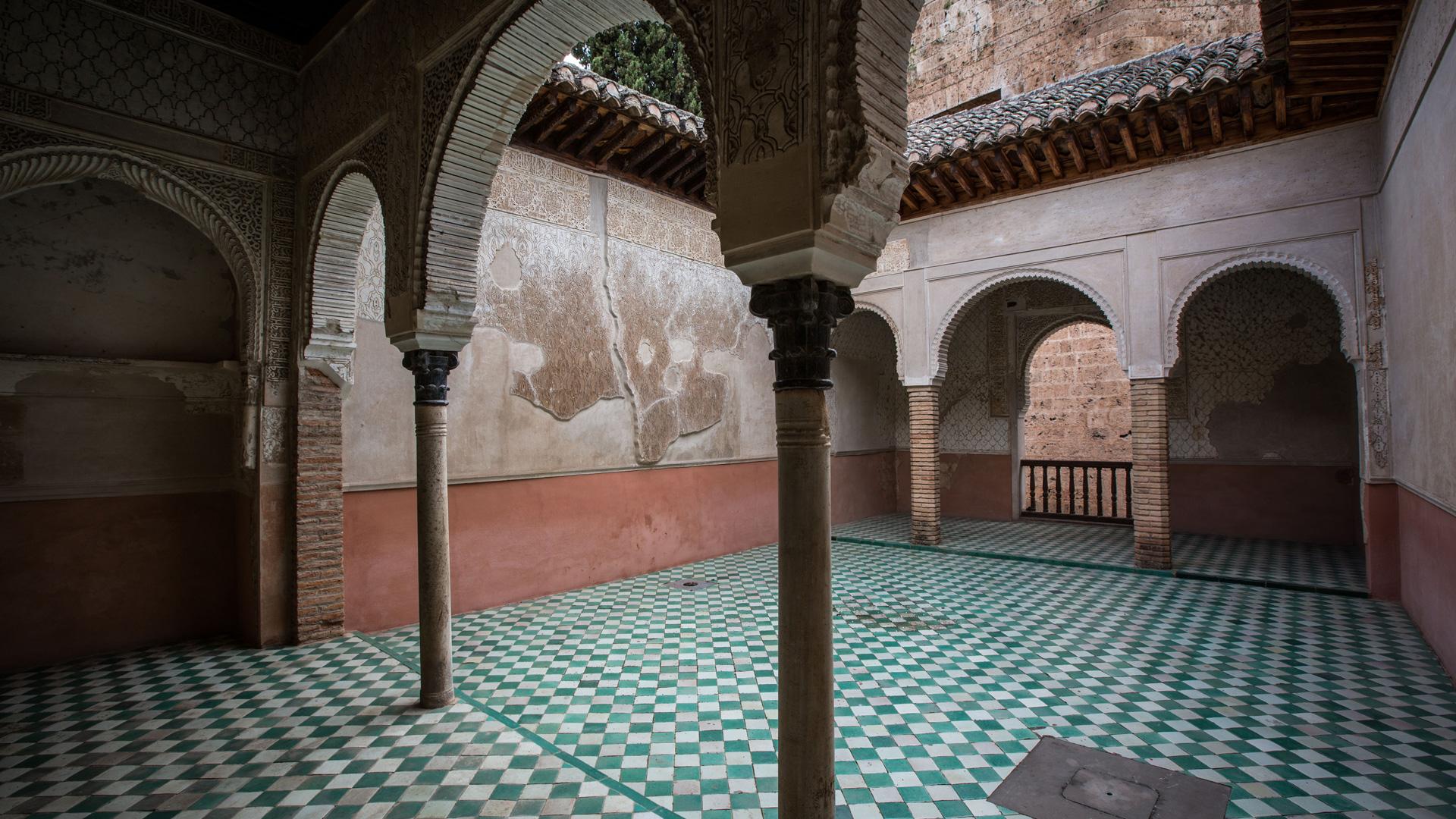 La Alhambra presenta una nueva web y App para mostrar virtualmente espacios ocultos del Monumento