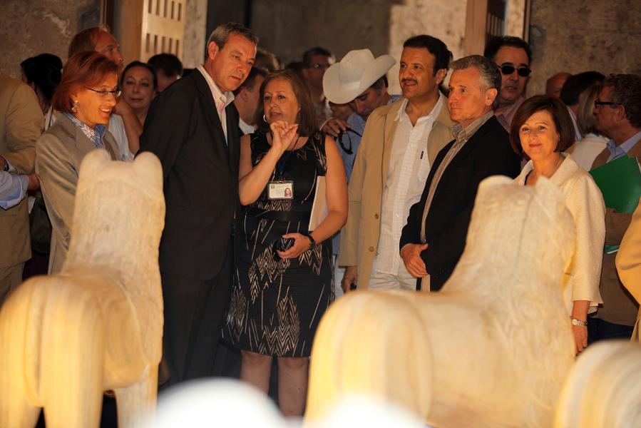 El consejero de Cultura inaugura la exposición 'Leones, la restauración de un símbolo'