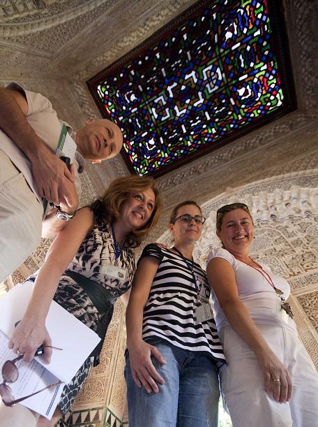 El techo del Mirador de Lindaraja luce su armadura de madera y vidrio restaurada