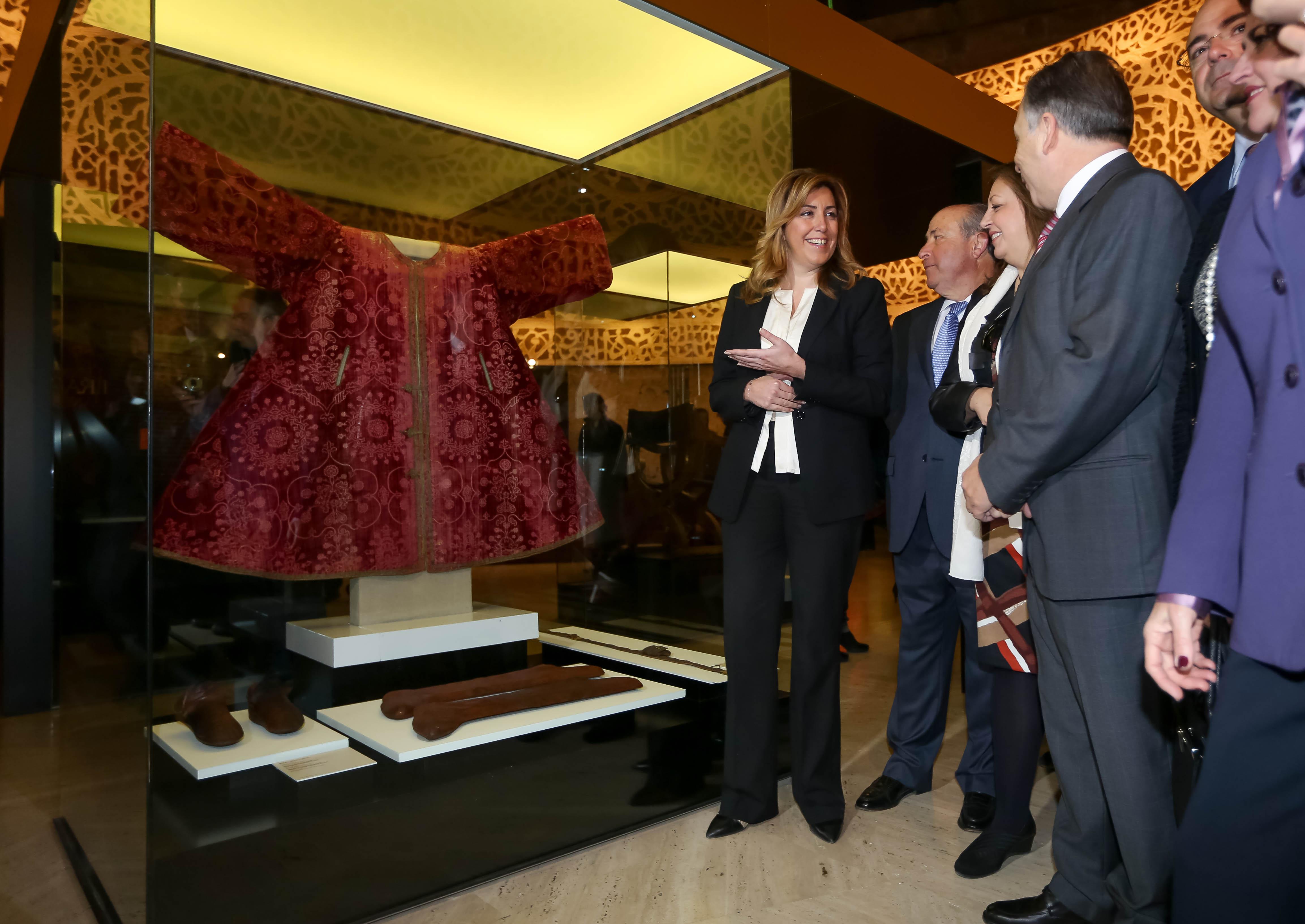 """""""Arte y culturas de al-Andalus, el poder de la Alhambra"""", un viaje a través de mil años de Historia del Reino de Granada (1013-2013)"""