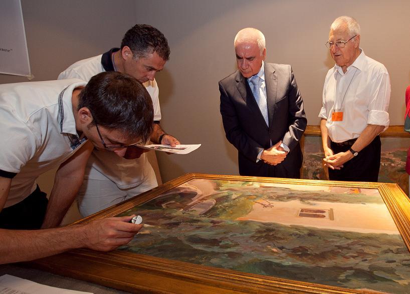 El consejero de Cultura y Deporte recibe los primeros cuadros de Joaquín Sorolla en la Alhambra