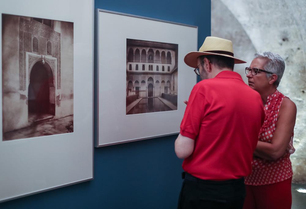 """La exposición fotográfica """"Oriente al Sur"""" registra más de 55.000 visitantes en Cripta del Palacio de Carlos V"""