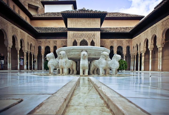Cultura realiza obras de emergencia en las galerías del Patio de Los Leones de la Alhambra de Granada