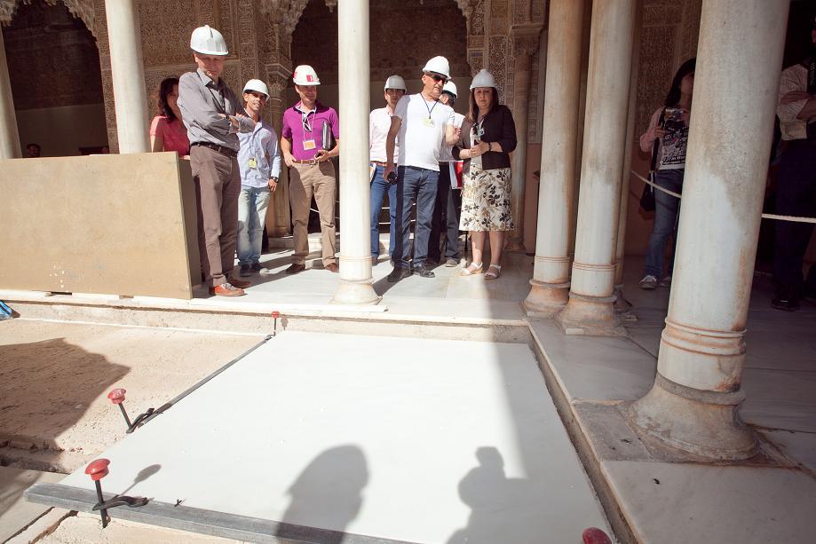 Comienzan los trabajos de pavimentación en el Patio de los Leones