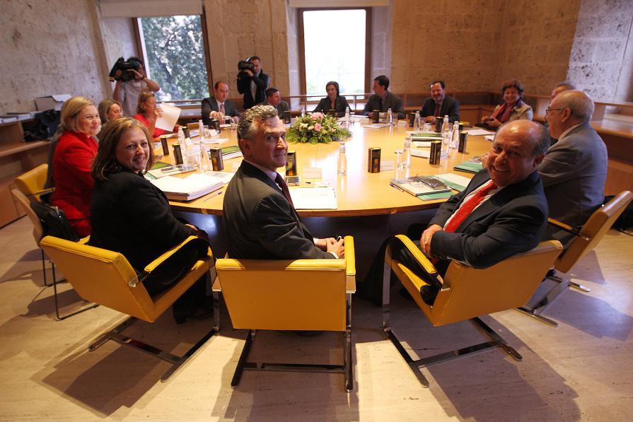 El consejero de Cultura preside la primera reunión del año del Pleno del Patronato de la Alhambra