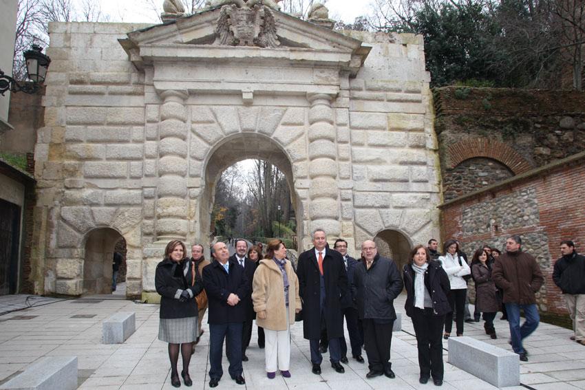 La Puerta de las Granadas se abre al público