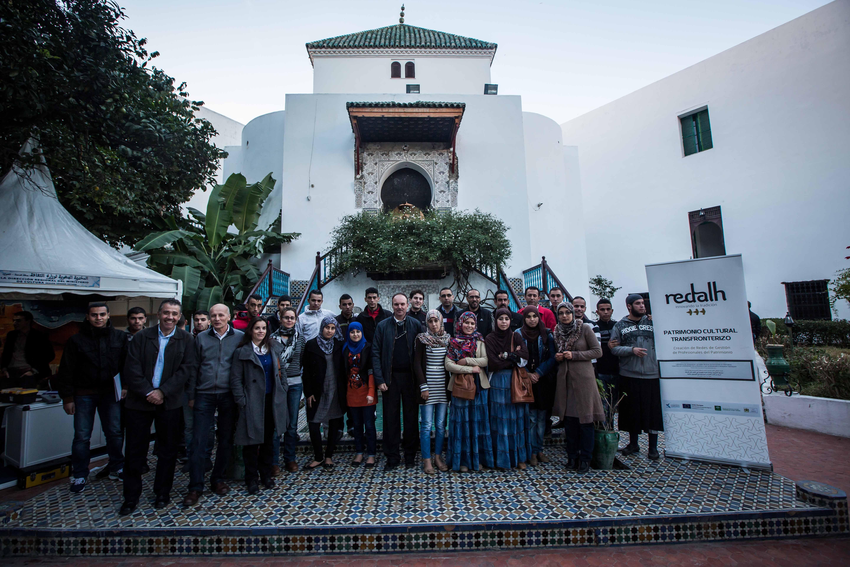 Restauradores de la Alhambra y artesanos marroquíes intercambian experiencias de conservación en Tánger