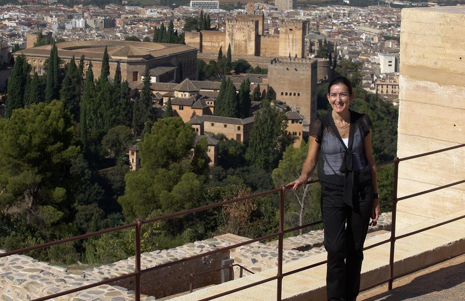 La ministra de Cultura visita el Mirador de la Silla del Moro y la exposición de los Leones
