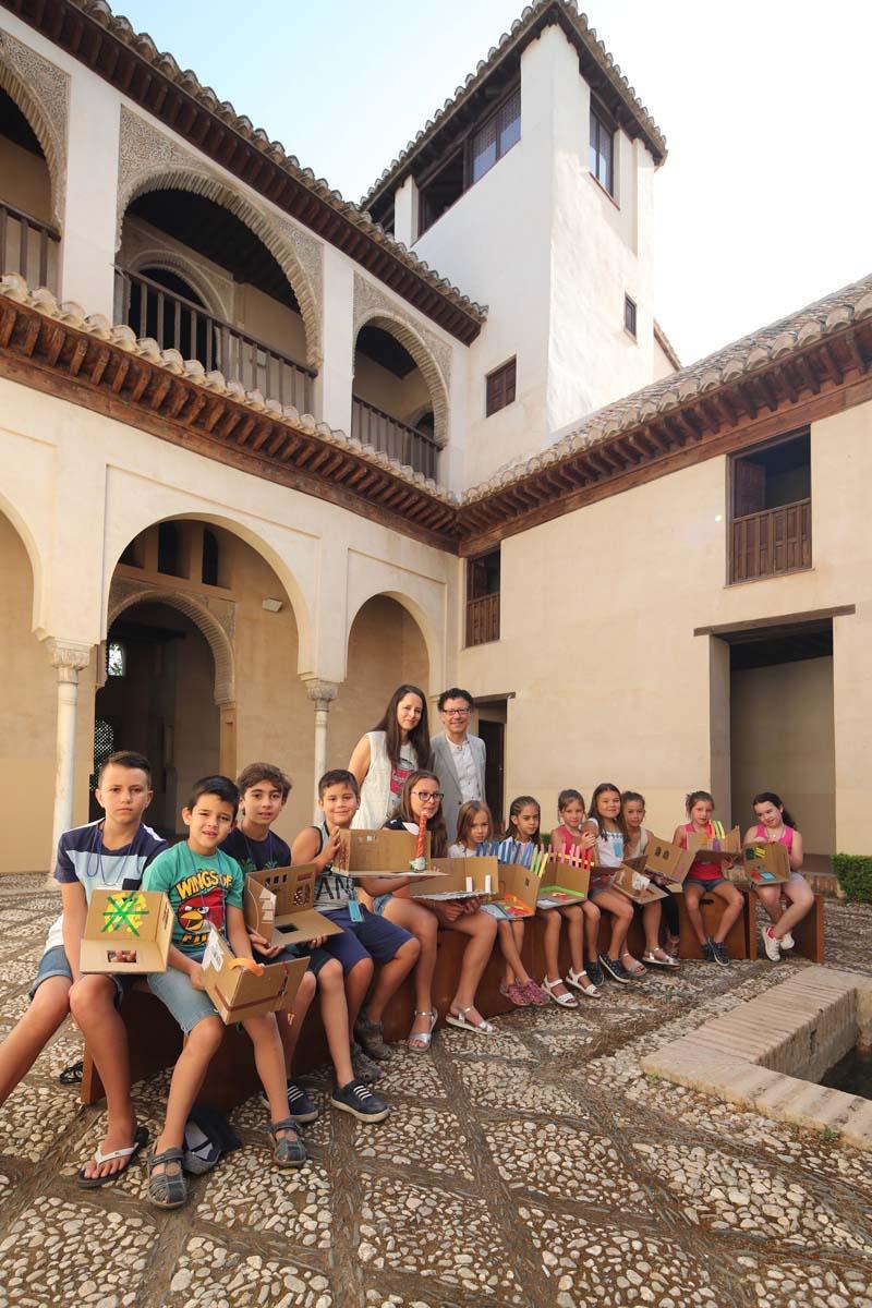 Exploradores del arte en el Palacio de Dar al-Horra