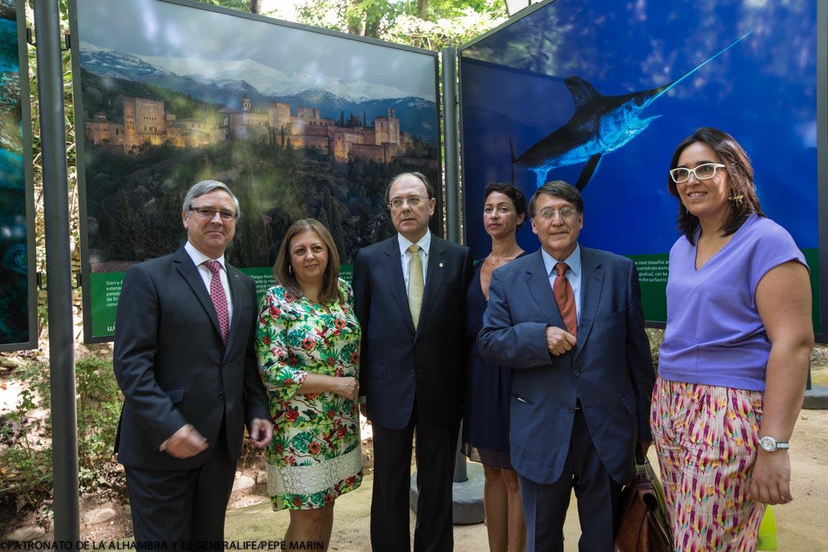 El Bosque de la Alhambra se llena de Tesoros Naturales del Mundo