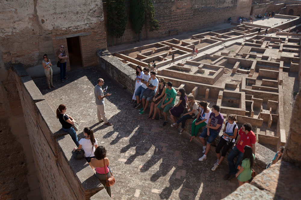 Las Huertas del Generalife y los jardines de la Alhambra abren el ciclo de visitas guiadas por especialistas
