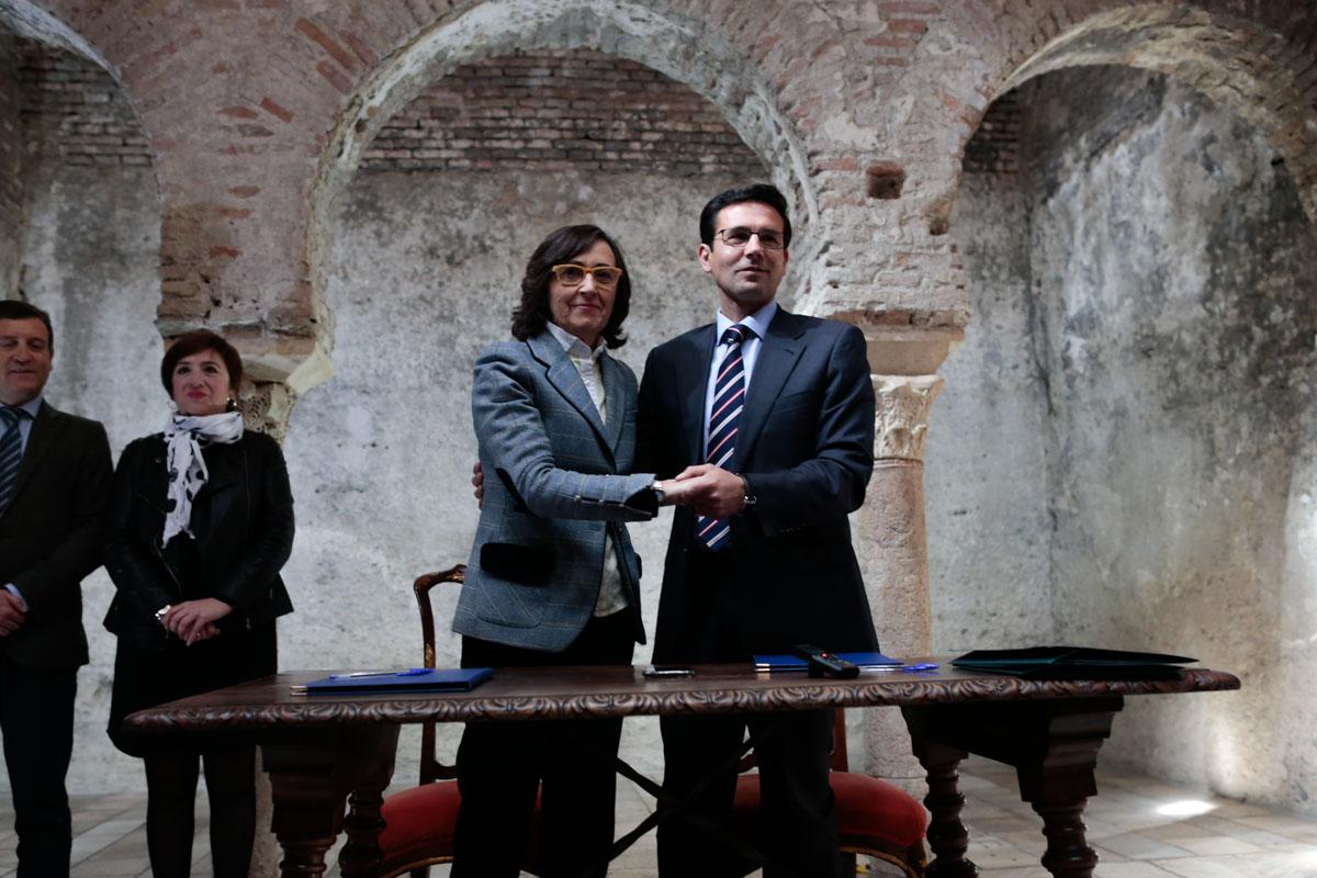 La Junta y Granada firman un protocolo de actuación para restaurar y conservar el barrio del Albaicín
