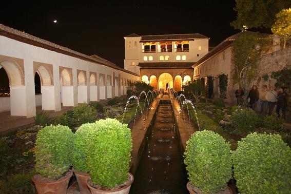 Comienzan las visitas nocturnas por los Jardines y Palacio del Generalife