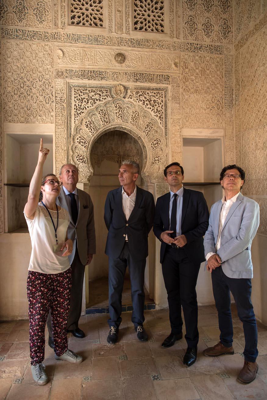 El consejero de Cultura presenta los trabajos de restauración del Oratorio del Partal en la Alhambra
