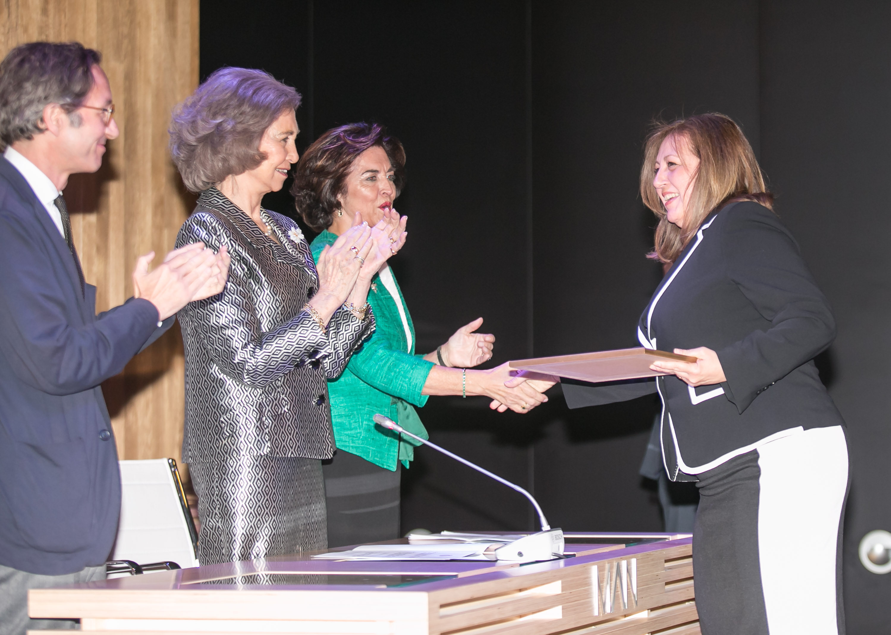 """La Reina Sofía entrega a la Alhambra el premio Europa e Hispania Nostra por sus """"buenas prácticas en conservación y restauración"""""""