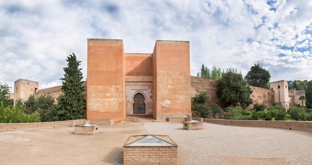 La Alhambra abre al público la enigmática Puerta de los Siete Suelos durante el mes de noviembre