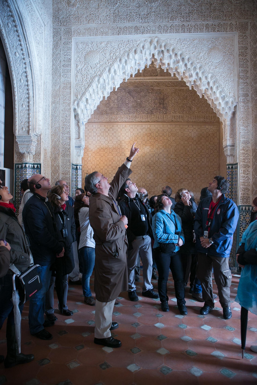 Las fortificaciones de la Alhambra y el agua, protagonistas del nuevo ciclo de visitas guiadas por especialistas