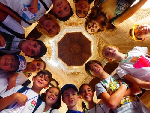 La Alhambra y los niños, protagonistas del verano