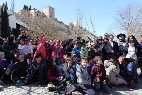 La Alhambra participa en el Día del Árbol con un paseo cultural por la Fuente del Avellano