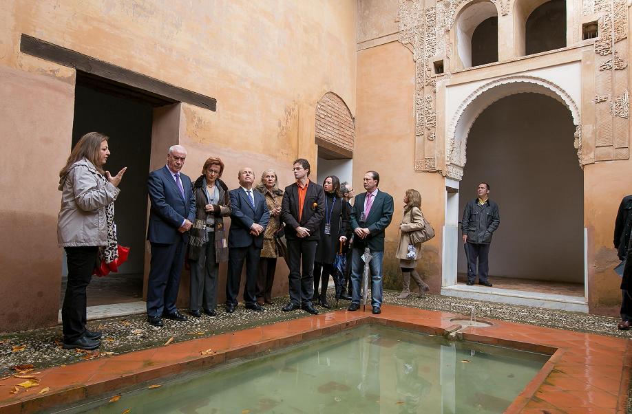 The Alhambra opens its doors to Granada