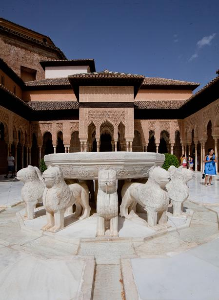The Alhambra is organizing a course on the restoration of the Lions Courtyard