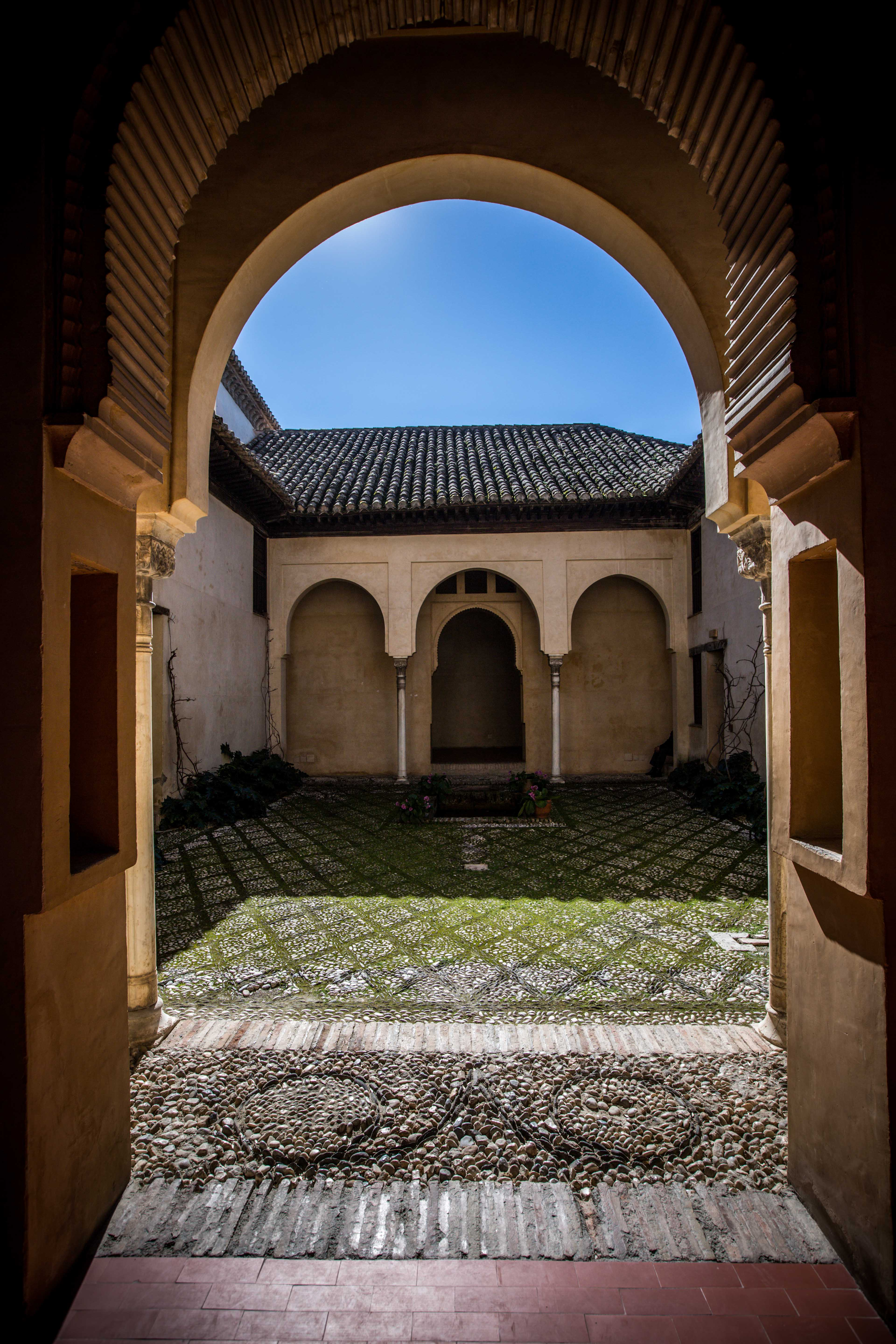 The Dobla de Oro, a stroll through history between the Alhambra and the Albayzín