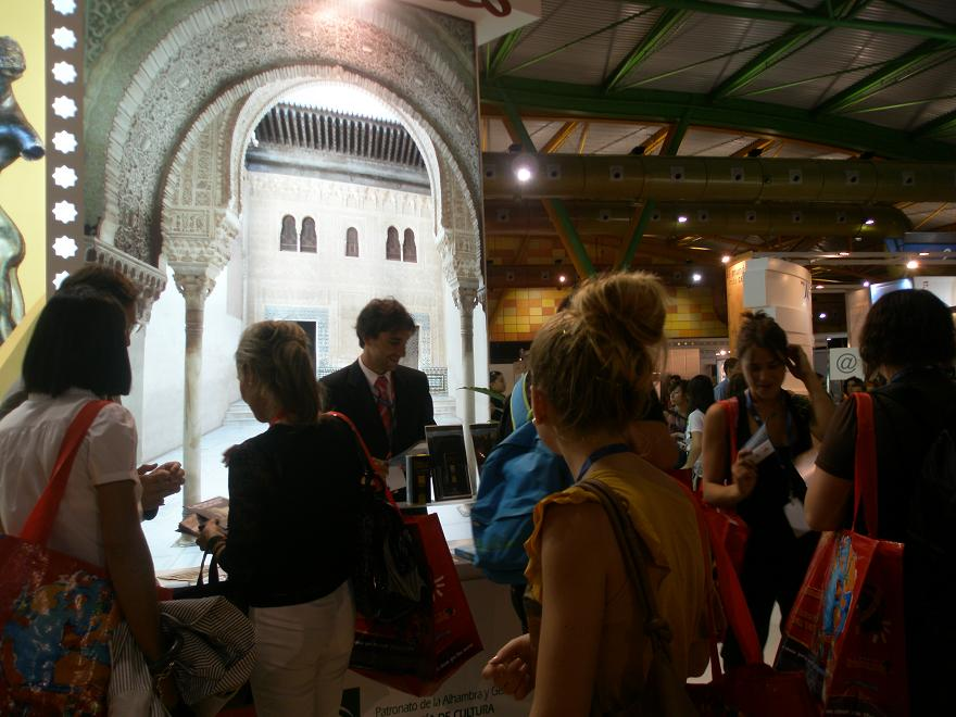 The Alhambra presents its touristic and cultural offer in Málaga