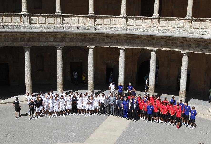 Atlético de Madrid and Besiktas players charmed by the Alhambra