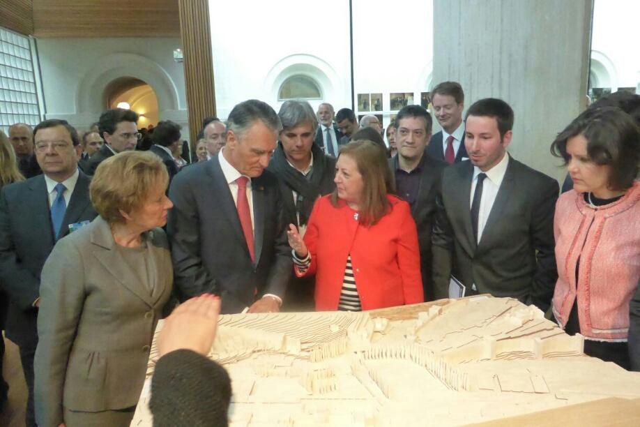 Visions of the Alhambra of Álvaro Siza fascinates the Portuguese President