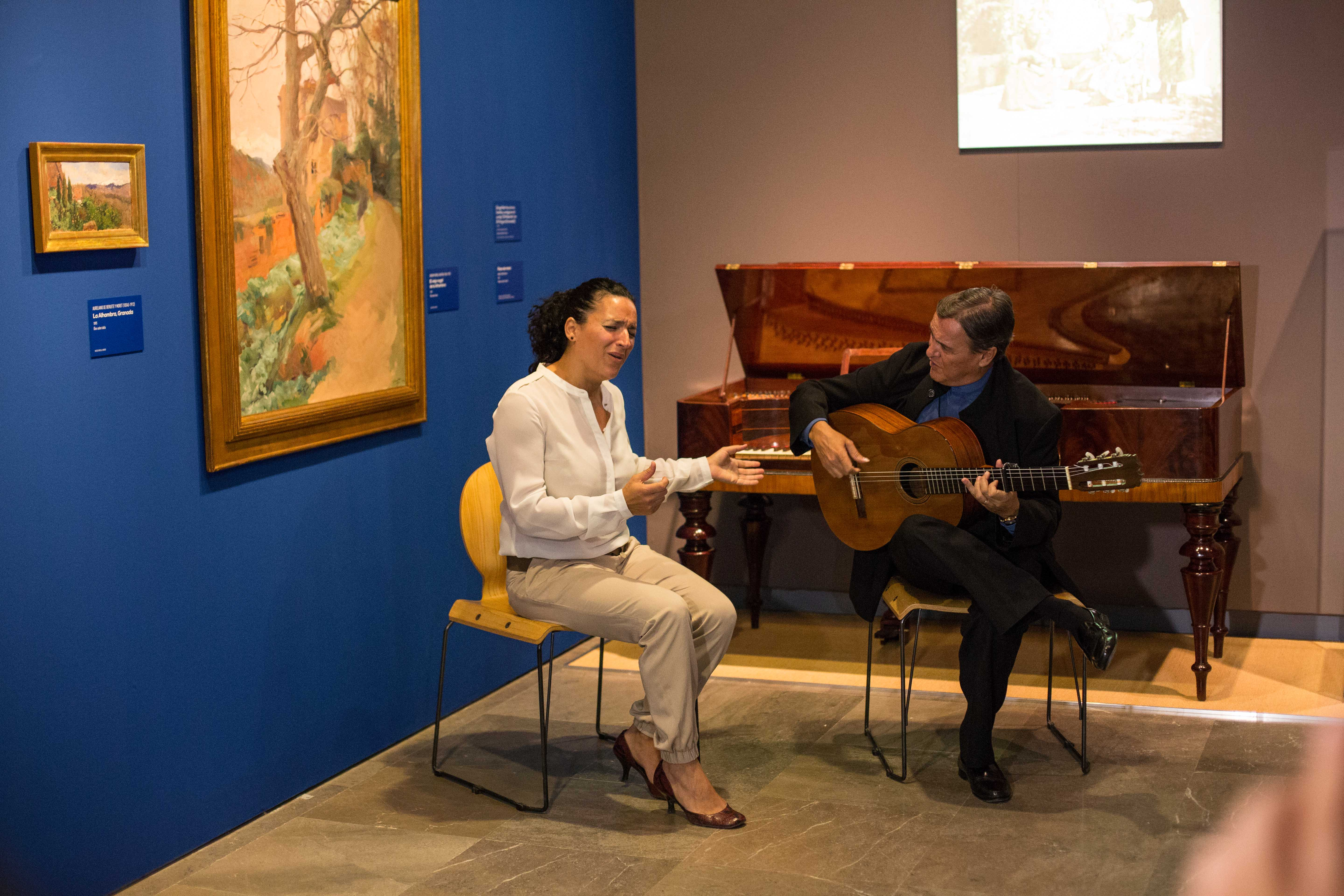 The Alhambra organizes guided visits to the Ángel Barrios exhibition with live music at weekends