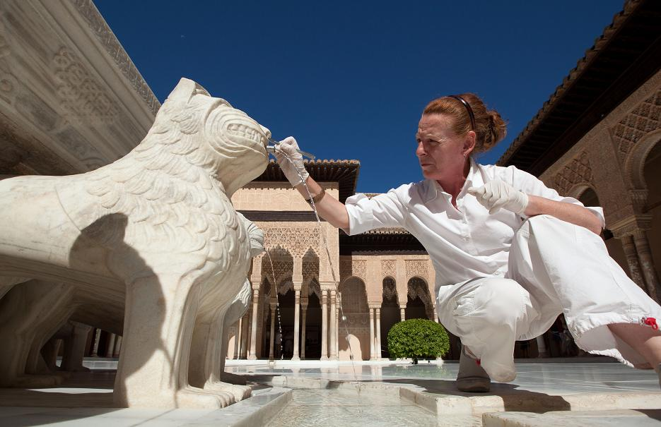 The restoration of the Fountain of the Lions reconciles tradition and innovation
