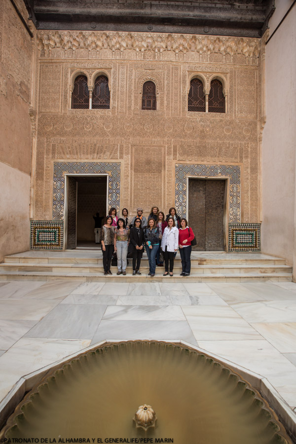 "The ""Arab Diplomatic Ladies"" fascinated by the Alhambra"