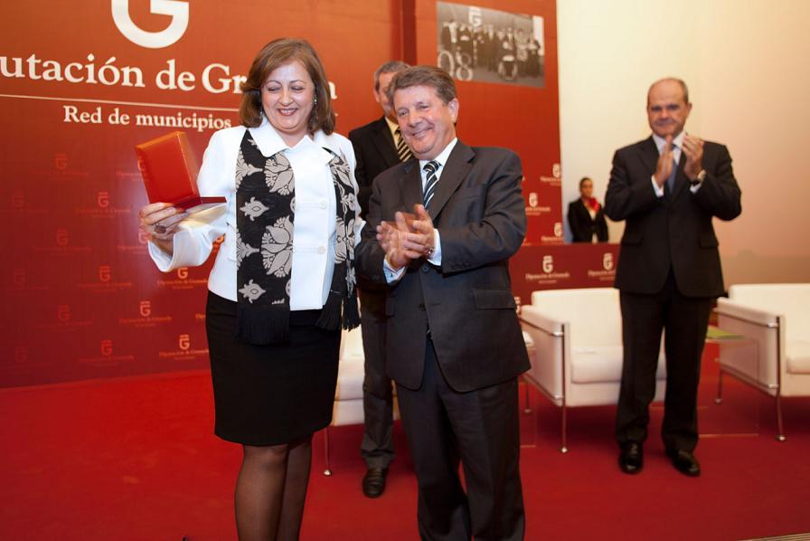 Granada Provincial Council honours the Patronato de la Alhambra y el Generalife with the Province Gold Medal