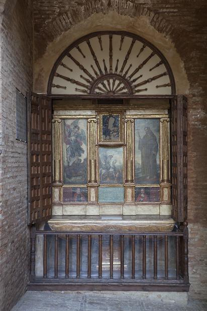 Nuestra Señora de la Antigua altarpiece opened to the public