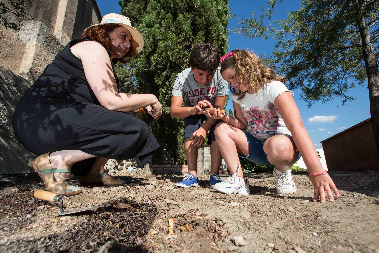 La Fundación Rodríguez-Acosta organiza talleres didácticos de arqueología y pintura para escolares durante el verano