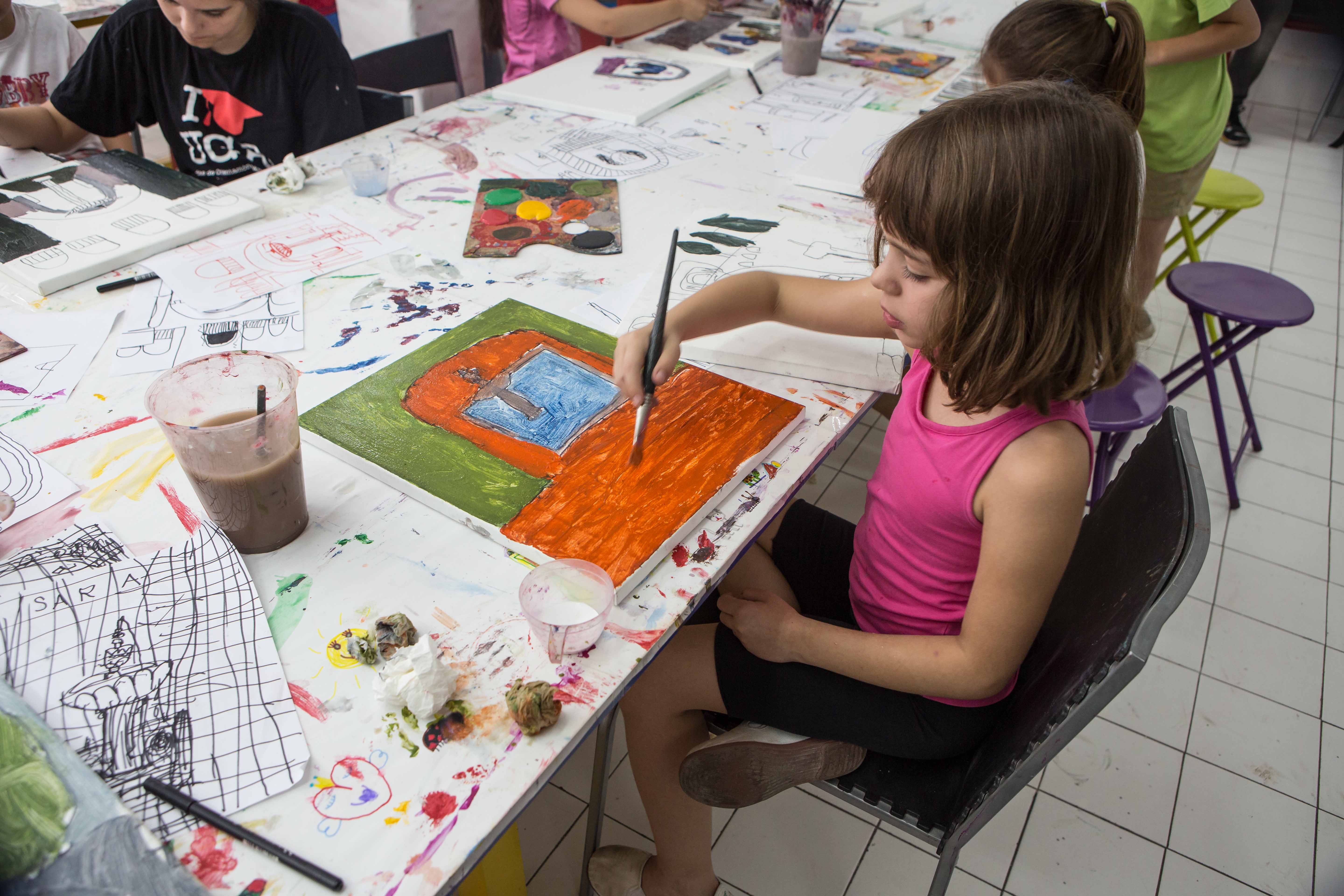 This summer the Rodríguez-Acosta Foundation is organizing workshops for children in archaeology, painting and literature