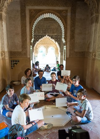 An opportunity for children to discover the Alhambra this summer