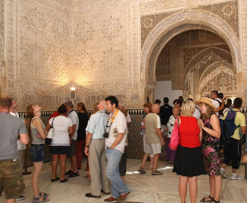 The Alhambra exceeds one million visitors in the first half of 2010
