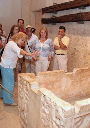 The Alhambra's every day life, guided themed tour in May through the Museum