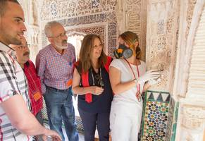 Conservators from the Alhambra give technical training to Moroccan restorers as part of the REDALH project