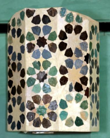 Tiled engaged column