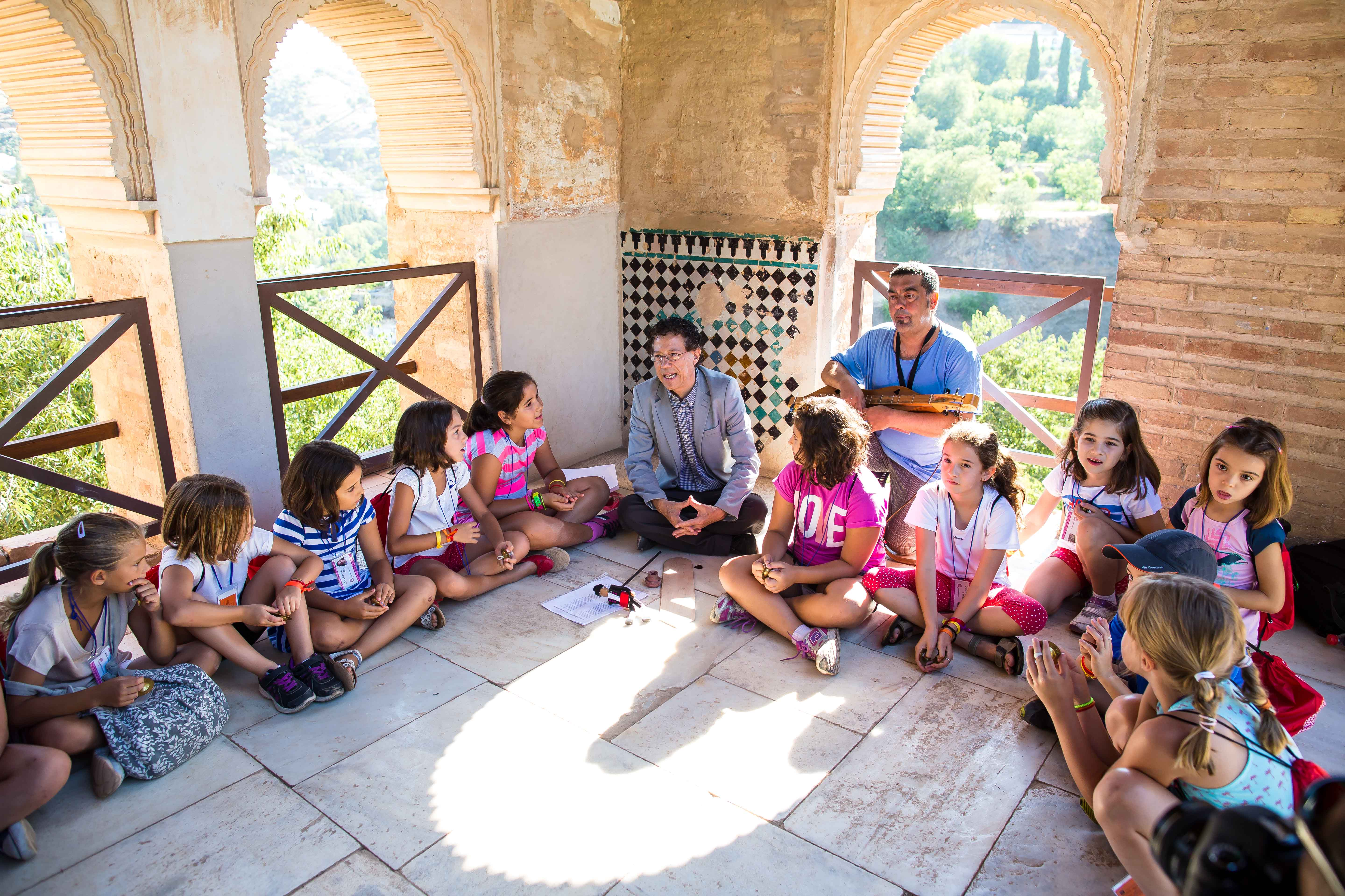 A summer in which to discover the alhambra through the eyes of a child