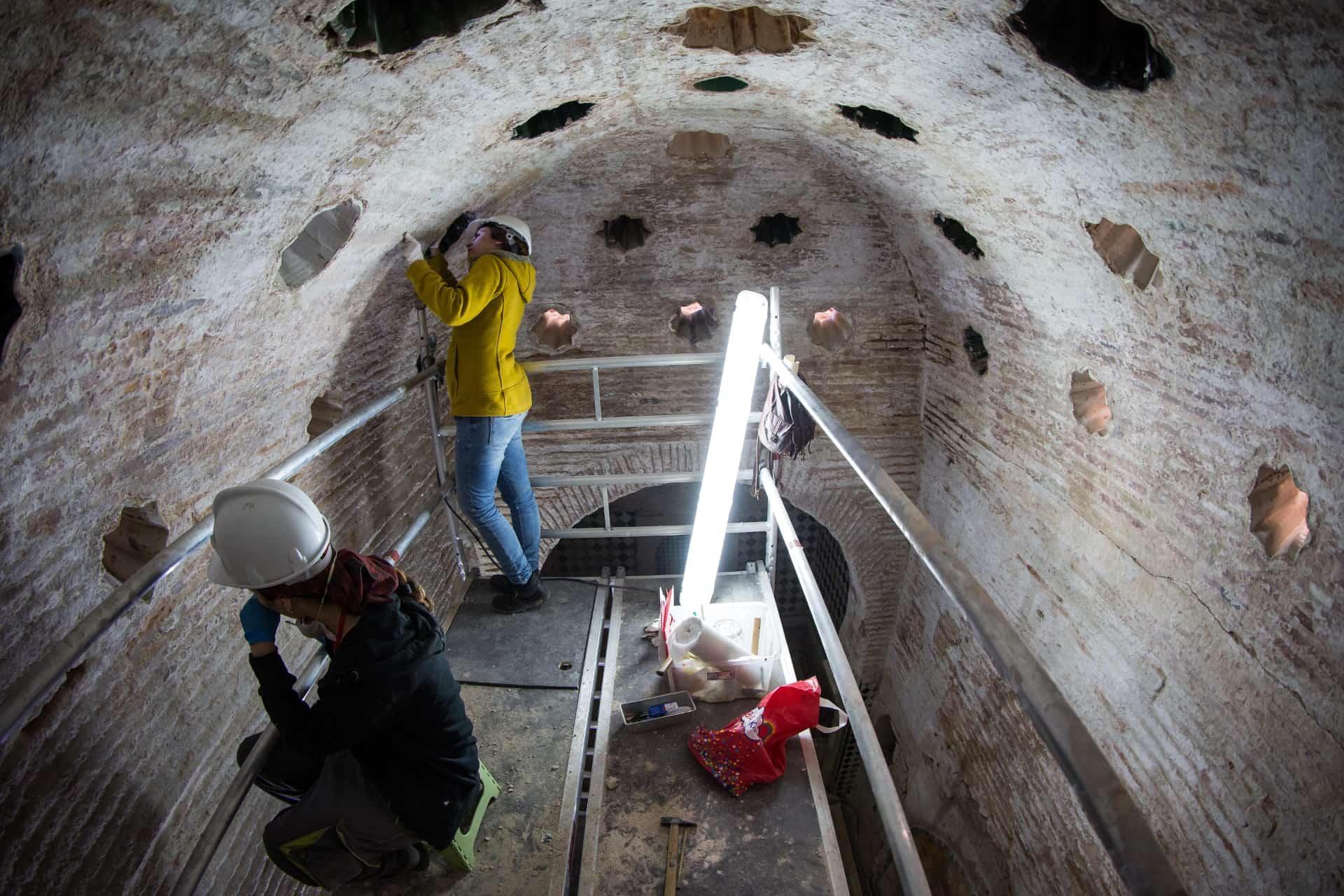 Obras en los baños en La Alhambra