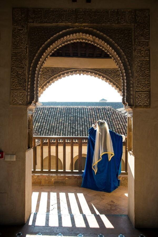 La Alhambra amplía su oferta cultural con un programa de visitas teatralizadas gratuitas en sus monumentos andalusíes